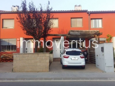 Now 30.000'-€ less! House for sale in the center of Vall-llobrega