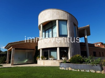 MAGNIFICENT HIGH STANDING HOUSE FOR SALE IN PALAMÓS