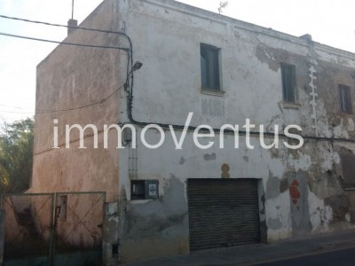 House for sale to reform in Sant. Joan de Palamos or to make a small apartment building