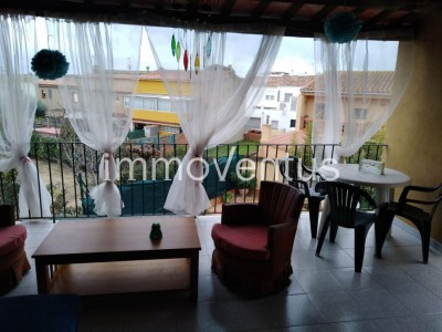 OPPORTUNITY: LARGE HOUSE FOR SALE IN MONT-RAS WITH GARDEN AND SWIMMING POOL