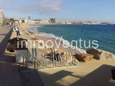 Apartment with elevator for sale in 2nd line of the sea in Sant Antoni de Calonge